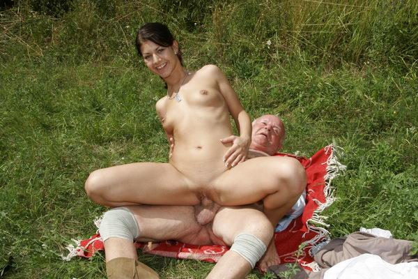 секс фото внучки и деда